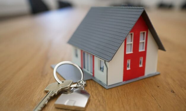 UK Property Market returning strongly with viewings booked up by 188%