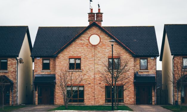 """House-hunters reveal just how important """"kerb appeal"""" is when buying a home"""