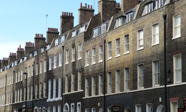 RICS: Property drought pushes up house prices and rent